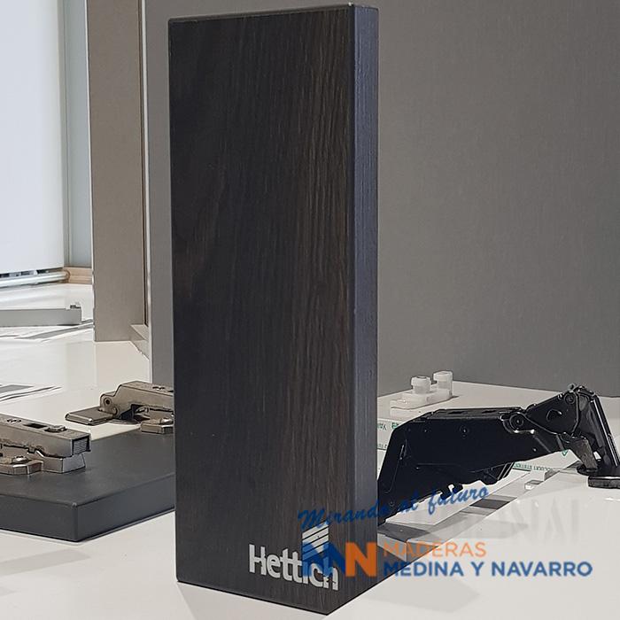 Muestra de madera corredera Hettich en negro